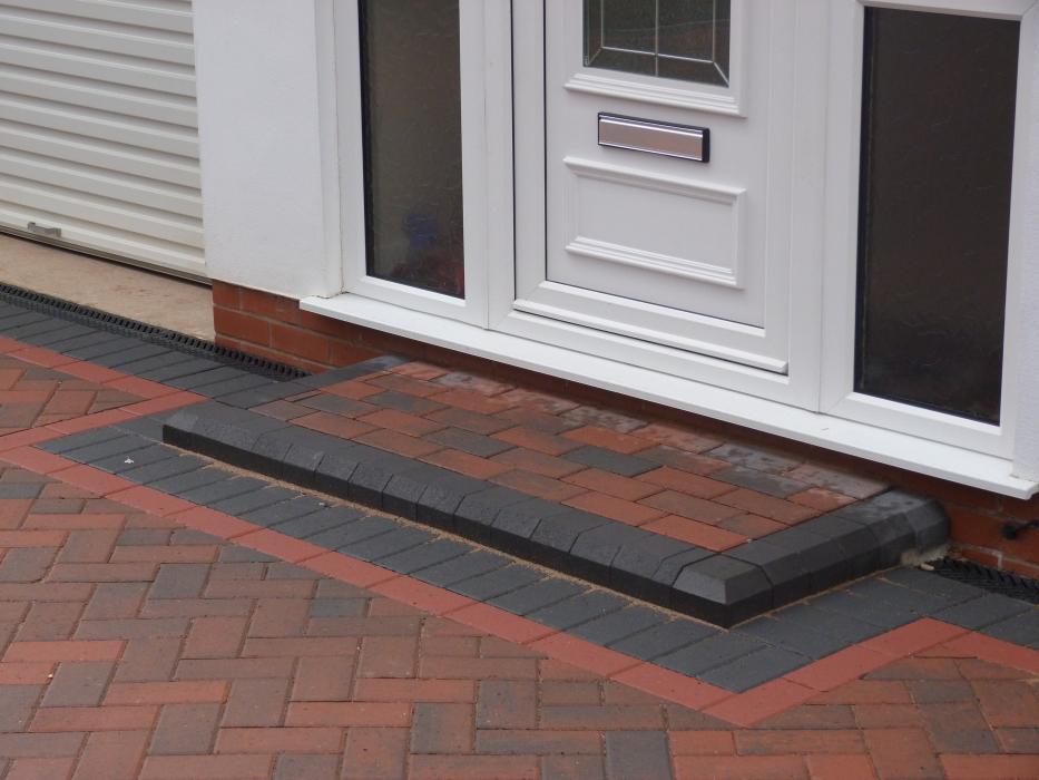 P1000335 & Doorway Entrance Pattern Installers Birmingham | Door Steps