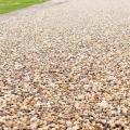 pebble-resin-bonded-driveway